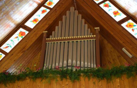 Organy piszczałkowe – darem parafian w Żeroniach
