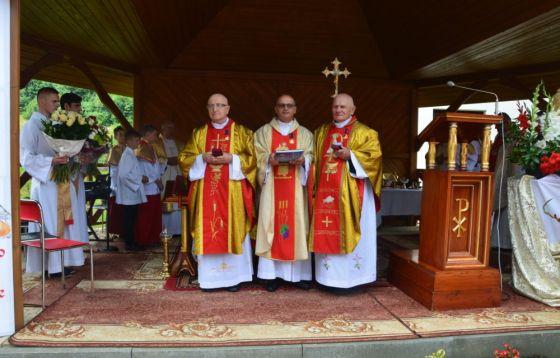 Niezwykłe wyróżnienie. Złote Krzyże Zasługi dla kapłanów