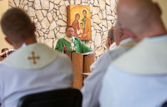 """Rozpoczęły się warsztaty dla księży """"od władzy do posługi"""""""