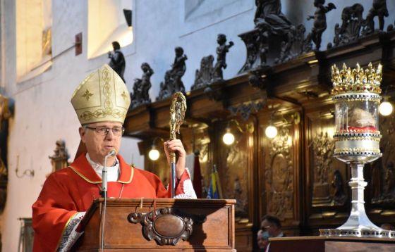 Procesja z relikwiami św. Doroty i św. Stanisława