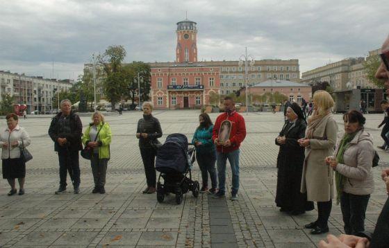 Koronka do Bożego miłosierdzia w centrum Częstochowy