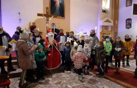 Roraty w parafii Miłosierdzia Bożego w Zielonej Górze