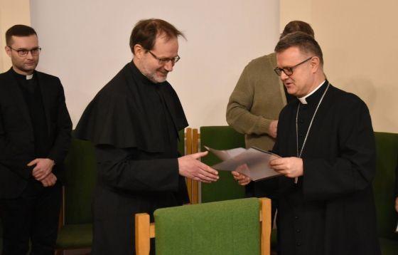 Wręczenie dekretów ustanawiających kościoły stacyjne w Roku św. Józefa