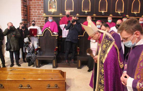 Pogrzeb biskupów w katedrze gorzowskiej