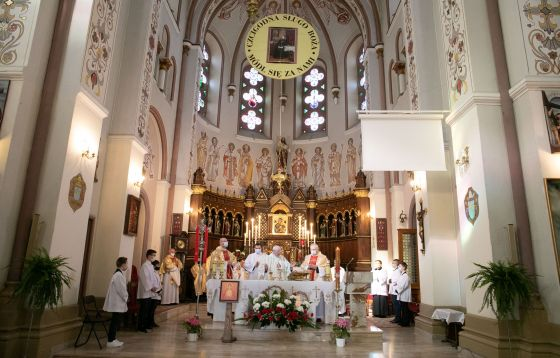 Parzno: Archidiecezjalna pielgrzymka do grobu Wandy Malczewskiej w Parznie k. Bełchatowa