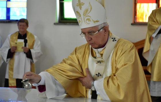 Konsekracja kościoła św. Jadwigi Królowej w Radomsku – część I