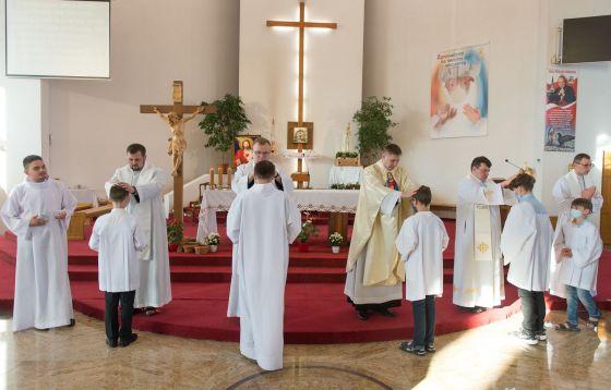 Łódź: Ewangelia zabiera nas pod krzyż. Nie bójmy się go przyjąć!