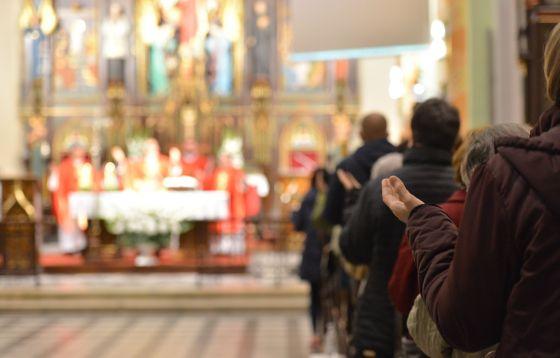 Zgierz: Droga Krzyżowa ulicami miasta w ramach rekolekcji ewangelizacyjnych
