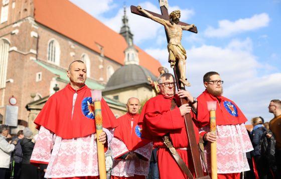 Procesja różańcowa w Krakowie