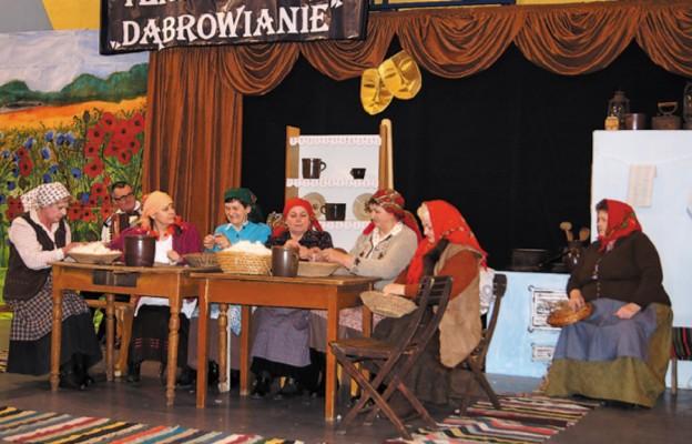 """Tradycja ludowa pasją """"Dąbrowian"""""""