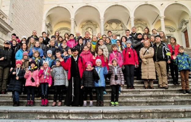 Uczestnicy pielgrzymki w opactwie benedyktyńskim na Monte Cassino