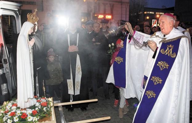 Powitanie figury Pani Fatimskiej