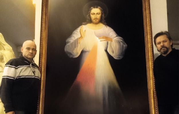 Z obrazem Jezusa w drodze
