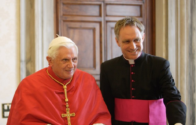 CNA Deutsch: osobisty sekretarz Benedykta XVI - abp Gänswein w szpitalu