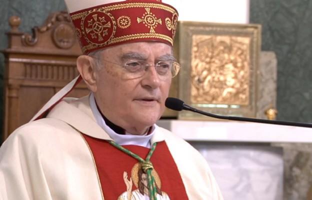 Abp Hoser: Jezus nie neguje ludzkiej natury, ale ją uświęca
