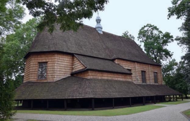 800 lat małej parafii
