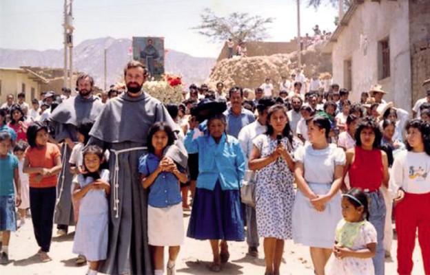 Pochodzący z Łękawicy k. Żywca o. Michał był w Peru duszpasterzem dzieci, młodzieży i rodzin. W głębi o. Jarosław Wysoczański