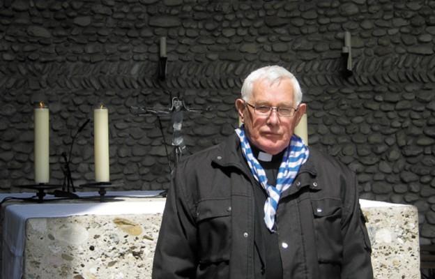 Ks. Józef Zielonka w kaplicy Śmiertelnego Lęku Chrystusa w Dachau