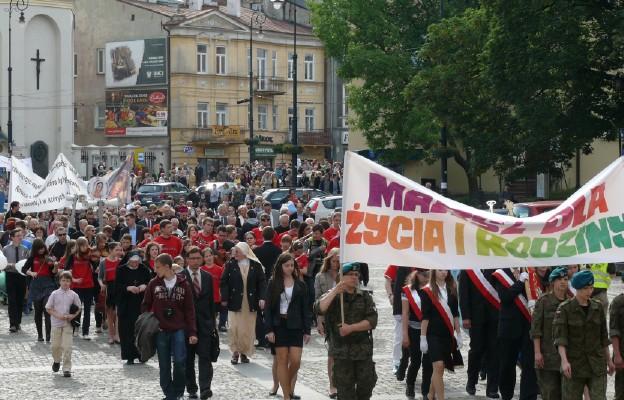 Marsz jest manifestacją przywiązania do wartości rodzinnych i wyrazu szacunku dla ludzkiego życia