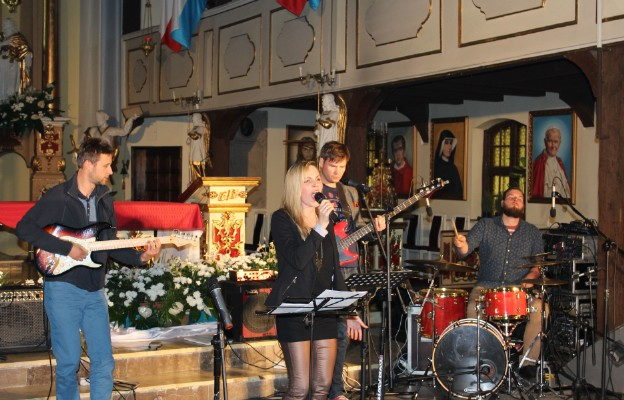 Czuwanie i koncert uwielbienia