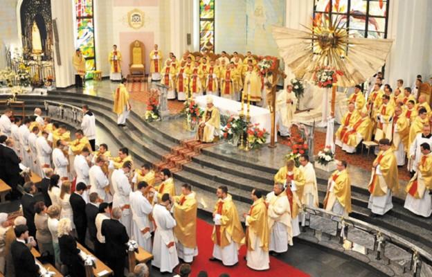 126 neoprezbiterów we Francji