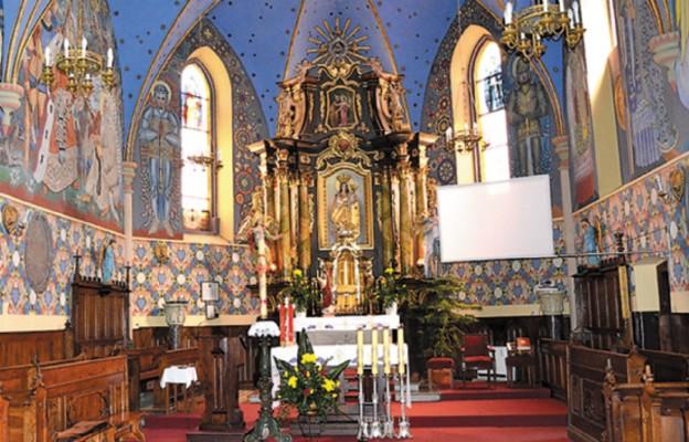 Obraz Matki Bożej Tczyckiej w ołtarzu głównym