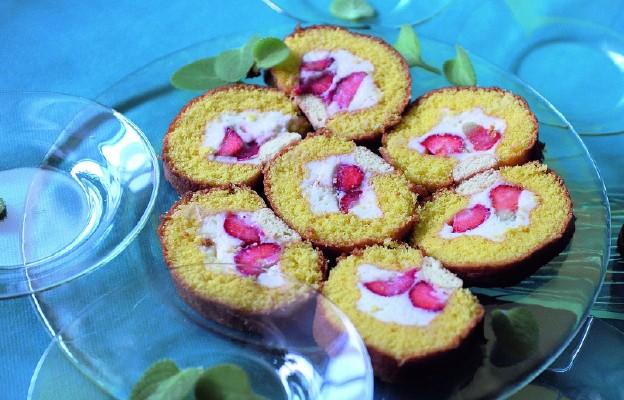 Rolada z truskawkami