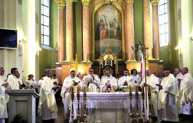 Rocznice i kapłańska modlitwa w intencji świętości