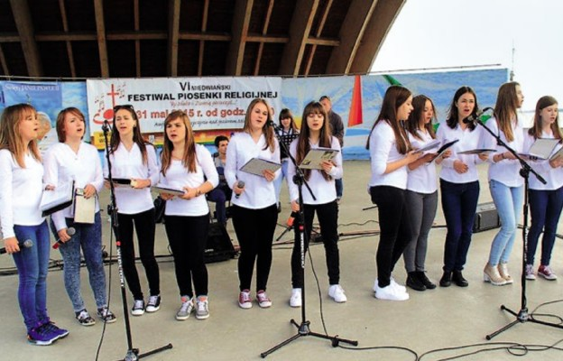 VI Festiwal Piosenki Religijnej nad Miedwiem