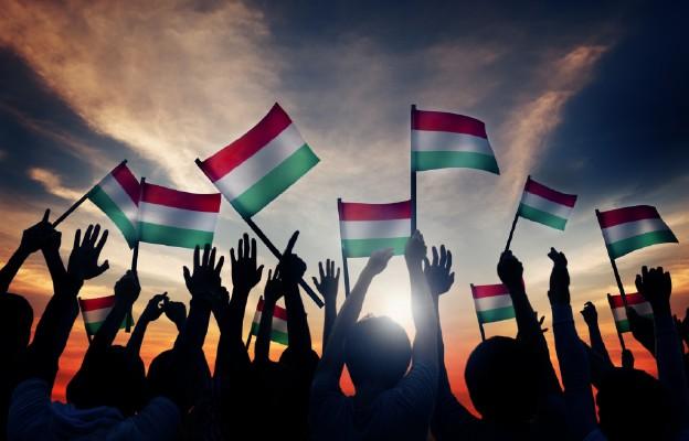 Węgry/ Po przerwie z powodu koronawirusa znów można zwiedzać parlament