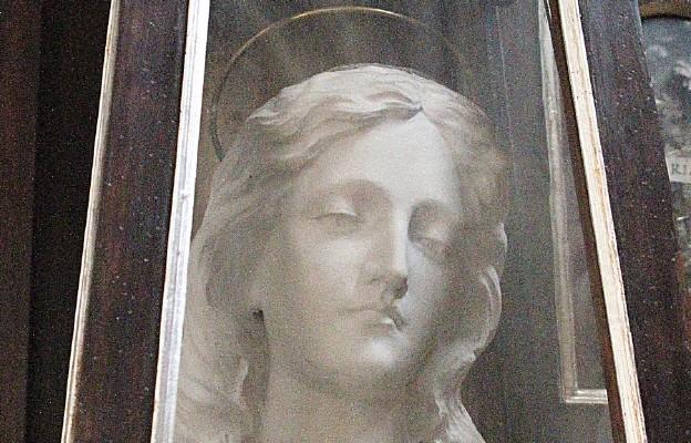 Kandyda, męczennica rzymska była żoną męczennika Artemiusza, z którym miała córkę Paulinę, także umęczoną za wiarę – jedna z pierwszych męczenniczek chrześcijańskich w Rzymie