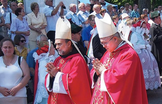 Biskupie odwiedziny w Polsce