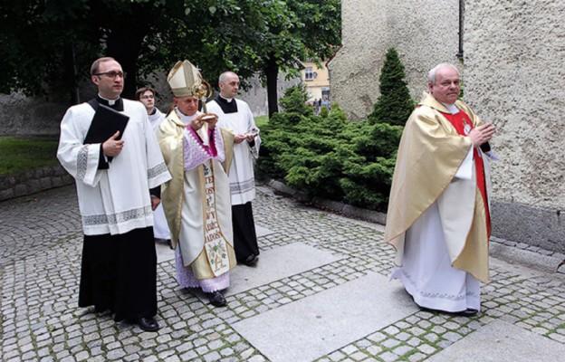 Relikwie św. Jana PawłaII w Świebodzicach