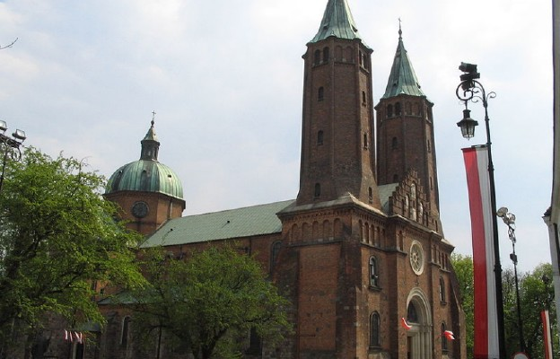 Katedra w Płocku od ul. Tumskiej