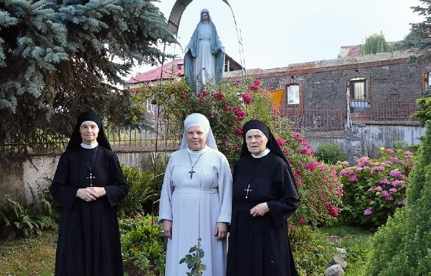 Siostry pracujące w Niemczy
