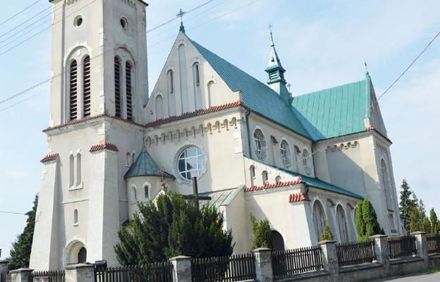 Starokrzepice – parafia silnych ludzi