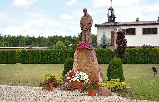 Rycerz Maryi opiekunem kościoła w Wolicy-Tokarni