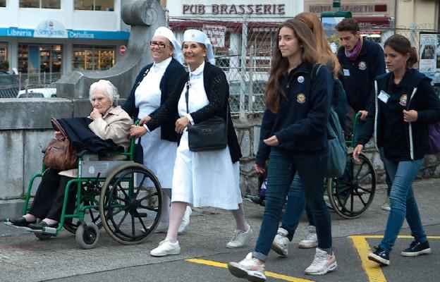 Chorzy powracają do Lourdes