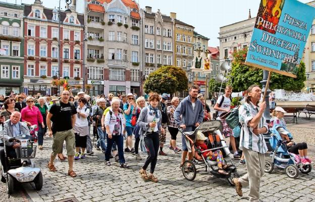 Pielgrzymi wyruszyli z Wałbrzycha