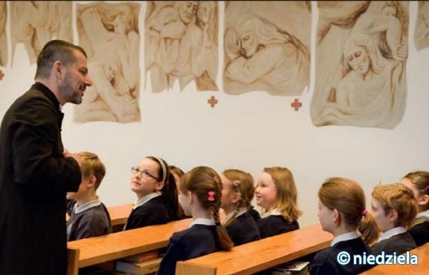Burmistrz chce zmniejszenia liczby lekcji religii w szkołach gminnych