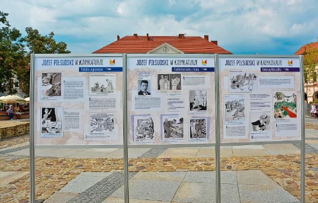 Marszałek Piłsudski w karykaturze