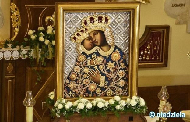 Niech Matka Boża Kalwaryjska króluje także w Praszce