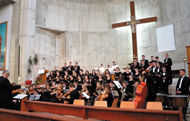 NICOLAUS śpiewał w Medjugorie