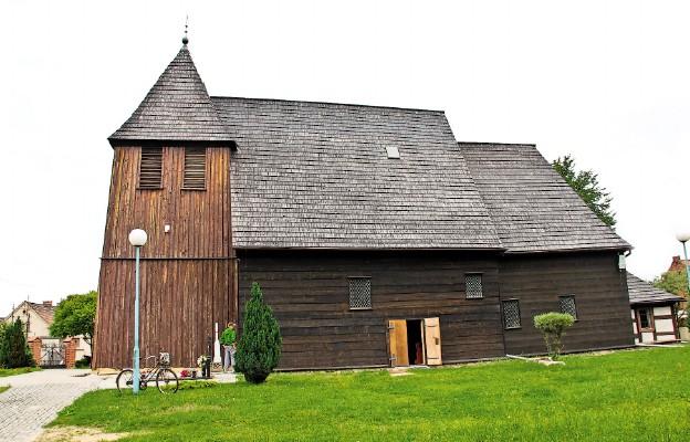 Drewniane kościoły. Szlakiem sztuki