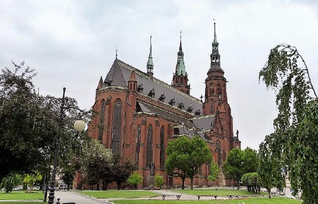 Katedra legnicka – serce i centralny punkt życia religijnego