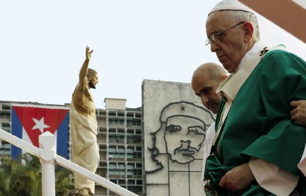 Na Placu Rewolucji w Hawanie za sprawą papieża Franciszka zakrólował Chrystus