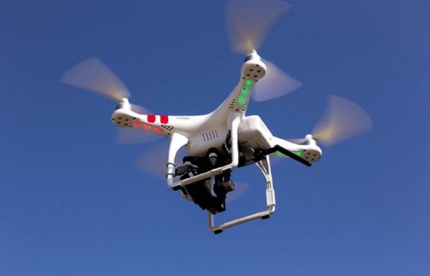 Dron nad weselnikami