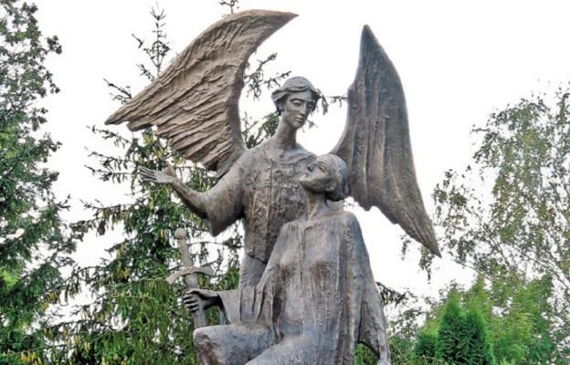 Figura Anioła Stróża Polski w Miejscu Piastowym
