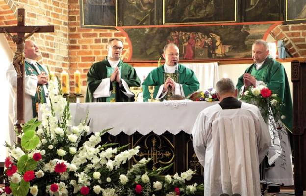 Odsłonięto epitafium rodziny von Thun