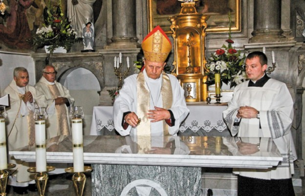 Kościół w Wyrozębach został uroczyście poświęcony